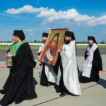 Епископ Борисовский и Марьиногорский Вениамин возглавил встречу святыни в Национальном аэропорту «Минск»