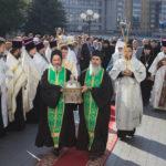 В канун недели 9-й по Пятидесятнице митрополит Павел и епископ Вениамин совершили всенощное бдение в Свято-Духовом кафедральном соборе города Минска