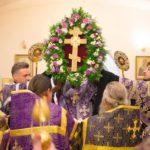 В канун праздника Воздвижения Честного и Животворящего Креста Господня Преосвященнейший Вениамин совершил всенощное бдение с чином Воздвижения Креста