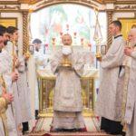 Преосвященнейший Вениамин возглавил Божественную литургию в Александро-Невском соборе г. Марьина Горка