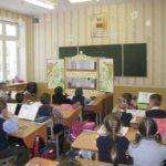 На святки воспитанники воскресной школы посетили больницу и гимназию