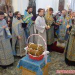 В праздник Сретения Господня епископ Вениамин возглавил Литургию в Воскресенском соборе города Борисова