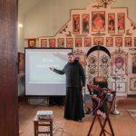 Экскурсия — выставка «День православной книги» с медиа — презентацией состоялась в Зеленоборском приходе