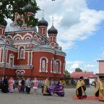 Верующие и священнослужители совершили крестный ход к памятнику князю Борису
