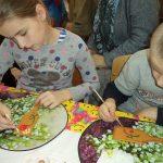 В воскресной школе прихода храма святого благоверного князя Димитрия Донского в Печах проведен урок, посвященный празднику Покрова Пресвятой Богородицы и Дню матери
