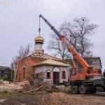В селении Марьино освящены и установлены на строящийся храм в честь святой мученицы Татьяны купол и крест