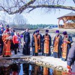 В субботу Светлой седмицы епископ Вениамин совершил Божественную литургию в храме в честь Рождества Христова деревни Алесино