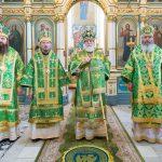 В праздник Святого Духа Преосвященнейший Вениамин сослужил Патриашему Экзарху за Литургией в Свято-Духовом кафедральном соборе города Минска