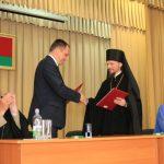 Епископ Борисовский и Марьиногорский Вениамин подписал соглашение о сотрудничестве между Логойским райисполкомом и Борисовской епархией