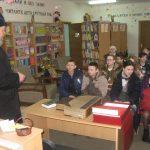 В Логойской детской библиотеке с участием священнослужителей храма святителя Николая Чудотворца прошел урок знаний «Через православную книгу — к духовному возрождению»