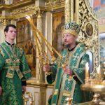 В день памяти преподобного Сергия Радонежского епископ Вениамин сослужил Патриаршему Экзарху за Литургией в Покровском академическом храме Троице-Сергиевой лавры