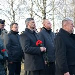 Благочинные Борисовских церковных округов возложили цветы к памятникам погибшим в войне 1812 года