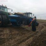 В Марьиной Горке освятили сельхозтехнику и благословили механизаторов на посевные работы