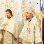 Митрополит Вениамин возглавил Литургию в домовом храме Минского епархиального управления