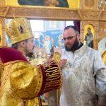 Патриарший Экзарх возглавил престольное торжество Никольского храма поселка Привольный