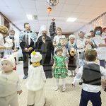 Митрополит Вениамин и министр здравоохранения посетили с благотворительной миссией столичный Дом ребенка № 1