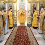 В Неделю 30-ю по Пятидесятнице митрополит Вениамин совершил Божественную литургию в Свято-Духовом кафедральном соборе города Минска