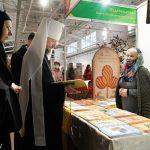 Митрополит Вениамин посетил православную выставку-ярмарку пасхального фестиваля «Радость»