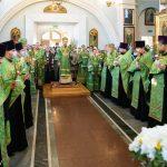 В канун праздника Входа Господня в Иерусалим митрополит Вениамин совершил всенощное бдение в Свято-Духовом кафедральном соборе города Минска