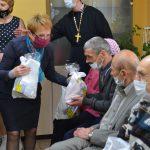 Борисовские священники поздравили с Пасхой постояльцев Дома-интерната «Юзефово»